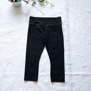 Lululemon cropped black leggings sz 8 (N11)